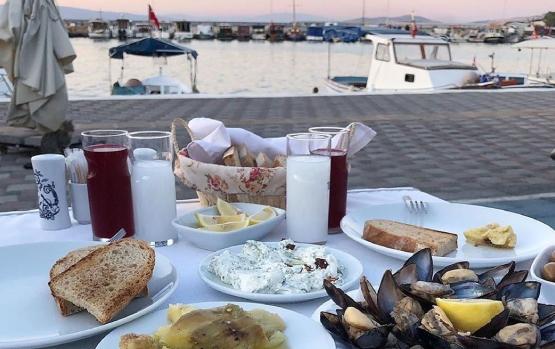 Yeni Foça Dalyan Balık Restaurant - En İyi Foça restoranları - Foça'daki en iyi restaurantlar