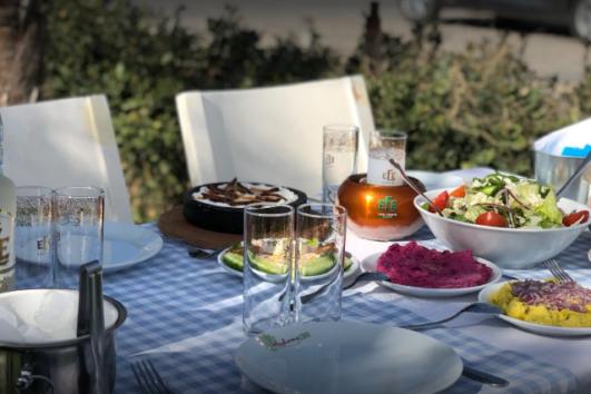 Foça Avlu Restaurant - En İyi Foça Restoranları