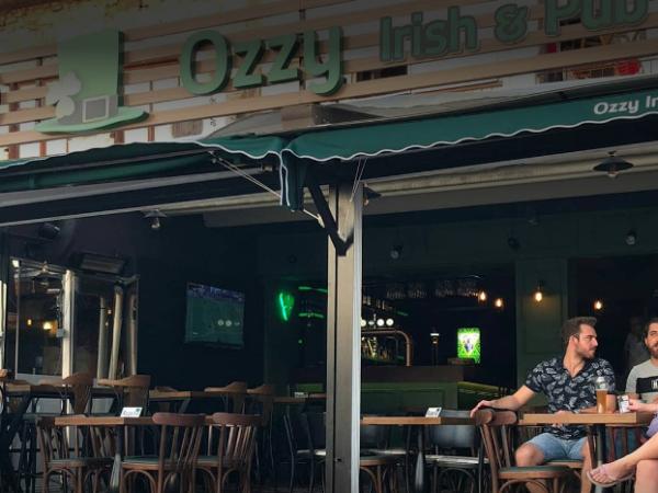 Foça Ozzy Irish Pub